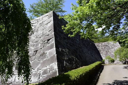 盛岡城跡の石垣