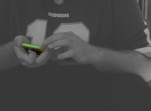 アメリカの若者が手にするiPhone 5c