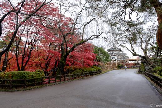 弘前城へ向かう
