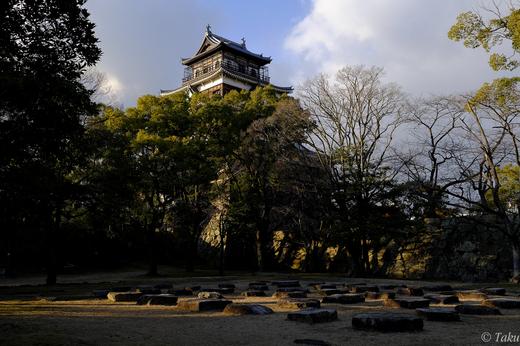 広島城と礎石