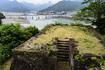 本丸の奥から出丸ごしに熊野川を望む